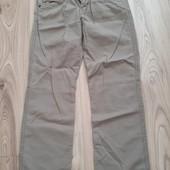 фірмові джинси.