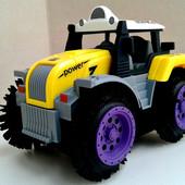 Классный Трактор Перевертыш,на батарейках. отличный подарок Вашим малышам.