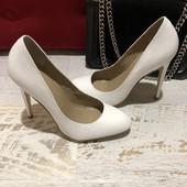 Туфлі із натуральної лакованої шкіри,від San Marina,розмір 40,устілка 26
