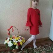 Платье нарядное на р.110см в идеале