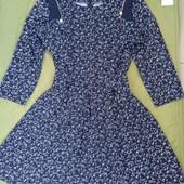 фирменное качественное платье 44 размер