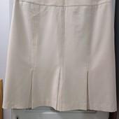 В очень хорошем состоянии фирменная юбка на подкладе, Р-р 14 (наш 52-54), смотрите замеры