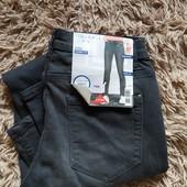 RR206.стильные джинсы Skinny Fit , от Esmara.