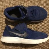 Легенькі кросівки Nike розмір 28 стелька 17 по бірці, фактично 18 см