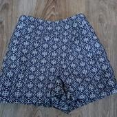 Стильные шорты-юбка на 6-7 лет. F&F.