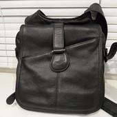 Кожанная мужская сумочка из Америки. Состояние очень хорошее.