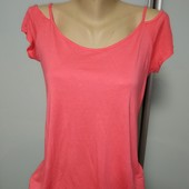Люкс ! Модная футболочка с открытыми плечиками р.46 оч.хорошего сост
