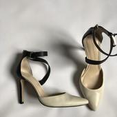 Туфли с острым носком Banana Republic