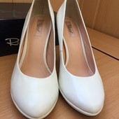Туфли лодочки кожаные, 39-40 р, натуральная кожа! состояние новых