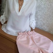 Комплект ,блуза с пудровыми шортами.Размер М-Л