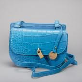 изящная, элегантная боковая сумочка Carpisa.Penelopa Cruz.