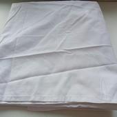 Классная белая скатерть с набитым рисунком,смотрите замеры и описание