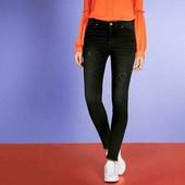 esmara.стрейчевые super skinny fit с эффектом потёртостей и бахромой евро 38+6замеры высокая посадка