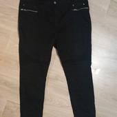 Шикарные джинсы скинни на королевские формы, р.20/22 в хорошем состоянии