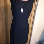 Черное платье на подкладке с красивый ассиметричным низом 12 размера.