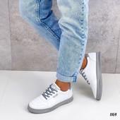 Новые кроссовки деми