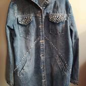 Модная удлиненная джинсовая курточка , размер 48-54
