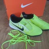 Nike Сороконожки (39 р. 24.5 см)