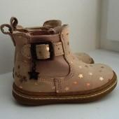 Классные звездные деми-ботиночки next, Португалия. Стелька 12,5 см