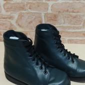 Ботинки ортопедичні,кожані в ідеальному стані.