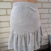 Классная юбка ,можно в школу.цена подарок! Размер с одна в наличии!