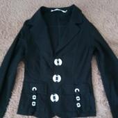 Классный черный пиджак.