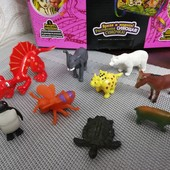 Одним лотом игрушки, зверюшки. Мелкие игрушки