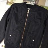 Бомбер √√ модная курточка ,на рост 152 см √√ качество.
