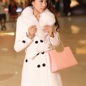 """Шикарне нове біле пальто""""Owind"""" Л"""