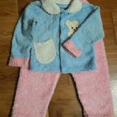 Теплый костюм (кофточка и штаны),нить травка,для девочки 1-2г.ориентир-замеры. Отличное состояние!