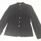 Классический пиджак ASTA черный в полоску, р. 42, состояние идеал