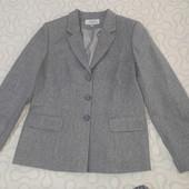 Кто любит классику - пиджак ASTA новый р. 42