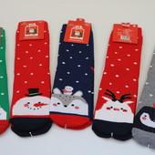Теплые красивые новогодние носки