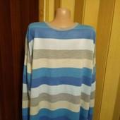 Акриловый мужской свитерок XXL размера по бирке,в груди 146 см.
