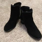 ,Ботиночки черные,нат.кожа,размер 35,ст. 22,5,очень миниатюрные