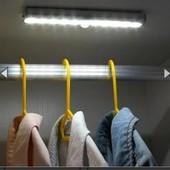 Светильник LED с датчиком движения Motion Brite в лоте 2 шт нюанс