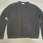 Вязаный свитер в отличном состоянии